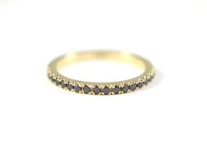 טבעת יהלומים שחורים   טבעת זהב בעיצוב אישי   טבעת אירוסין   מעצבת תכשיטים   אורה דן תכשיטים  