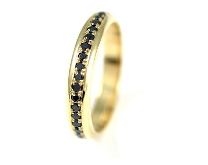 טבעת זהב 14קרט   טבעות משובצות יהלומים שחורים   טבעות אירוסין   מעצבת תכשיטים בתל אביב   טבעות מעוצבות   אורה דן תכשיטים  