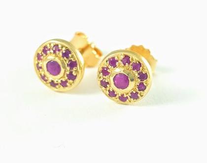 עגילי זהב צמודים - עגילי זהב צהוב משובצים - עגילי זהב ואבני רובי - עגילים צמודים - מעצבת תכשיטים - תכשיטי מעצבים - אורה דן תכשיטים