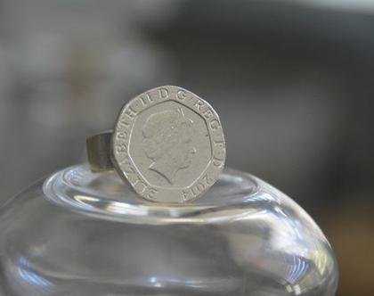 טבעת חותם, טבעת כסף, סגנון וינטג', טבעת מיוחדת, טבעת לזרת, טבעת מטבע עתיק, טבעות בסגנון עתיק, מטבע כסף, טבעת מעוצבת, טבעת לאירוע, אפרת מקוב