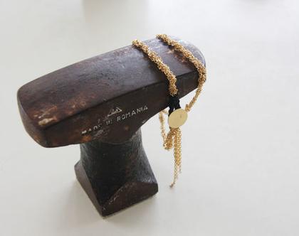 צמיד כפול משרשרת סרוגה מצופה זהב עם סגירת כפתור