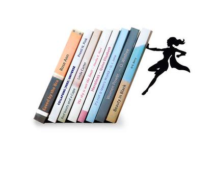 תומך ספרים דקורטיבי גיבורת על