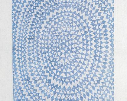 שטיח כותנה כחול עם משולשים אפורים