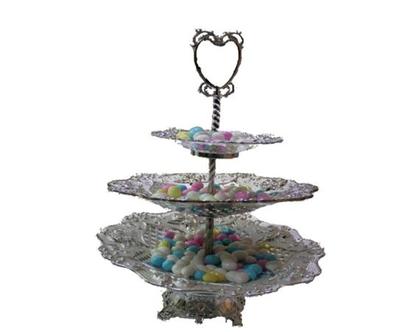 מגש כסף שלוש קומות לחינה | צלחת מעוצבת לסוכריות דרז'ה | רעיון לעיצוב שולחן מימונה