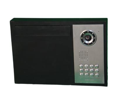 תיבת דואר ממתכת לבית פרטי, מערכת אינטרקום בצד. צביעה בתנור