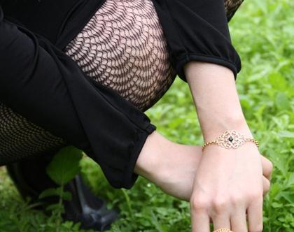 צמיד גורמט מרתה-ציפוי זהב ואבן סברובסקי שחורה
