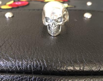 טבעת גולגולת לגבר כסף טהור פתוחה מאחור ניתן לשחק עם המידה   טבעת כסף לגבר   טבעת גולגולת לגבר   כסף 925