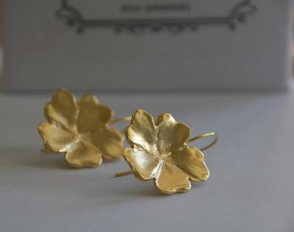 עגילי זהב, עגילי פרח, עגילי פרחים, עגילי פרח זהב, עגילים מיוחדים, עגילים לכלה, עגילי כלה, עגילים מעוצבים, עגילים לחתונה. אפרת מקוב