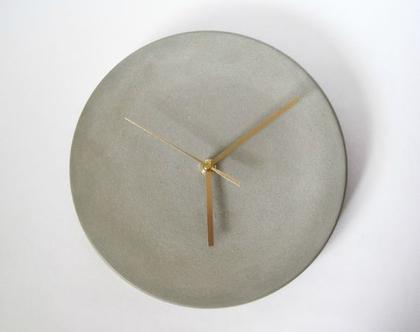 """שעון קיר מבטון 25 ס""""מ קוטר, שעוני קיר מעוצבים, שעונים, שעון בטון, שעון קיר למשרד, שעון קיר לסלון, מתנה לחג, שעון קיר לבית, שעון למשרד"""