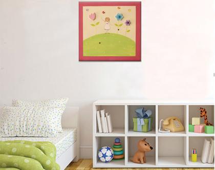 תמונה מעוצבת לחדר ילדות - מתנה ללידה - ילדה עם שמלה לבנה ופרחים בגווני פסטל