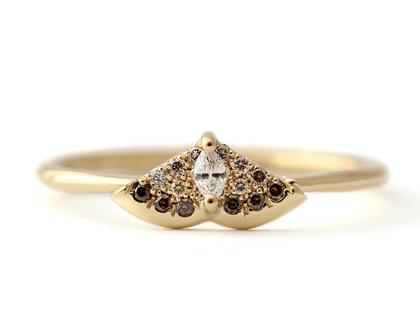 טבעת אירוסין מיוחדת, טבעת יהלום מרקיזה, טבעת עש זהב, טבעת יהלומים חומים, טבעת בצורת עש