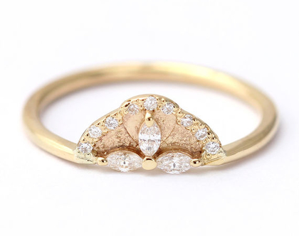 טבעת אירוסין עם יהלומים, טבעת אירוסין מיוחדת, טבעת אירוסין בסגנון עתיק, טבעת אירוסין וינטג׳, טבעת יהלומים מרקיזה, טבעת שלושה יהלומים