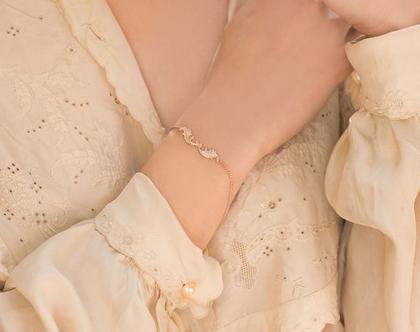 צמיד עדין מעוטר מצופה זהב, צמיד יד לאשה, צמיד מיוחד לכלה, צמיד יפה לכלה, צמיד יד לכלות, צמיד גולדפילד, צמיד זהב