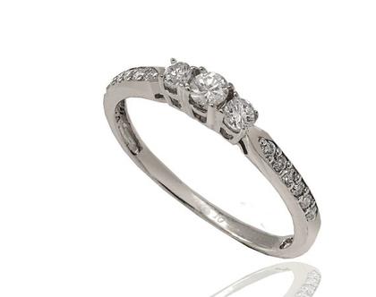 טבעת 3 יהלומים | טבעת אירוסין | טבעת שלוש יהלומים | בזהב 14K