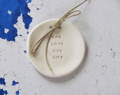 צלוחית לטבעות נישואין   צלוחית לטבעות חתונה One love one life   מתנה לכלה   מתנה לחתונה   מתנה ליום נישואין   מתנה לאירוסין   כרית לטבעות