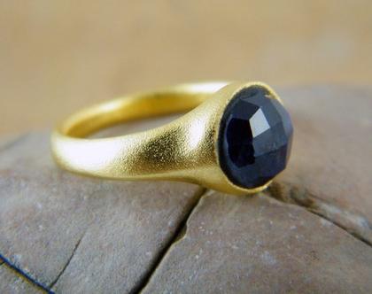 טבעת ספיר כחול טבעת ספיר קורנדום טבעת בשיבוץ אבן חן טבעת ספיר