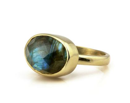 טבעת לברדורייט מגולדפילד - טבעת זהב - טבעת מתנה - טבעת אבן חן - טבעת אליפסה