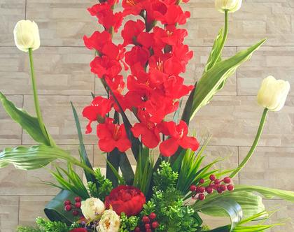 סידור פרחים גדול אדום לבן