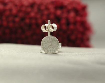 עגילי כפתור מכסף 925 | עגילי כסף מיוחדים | כסף 925 | עגילי נקודה | עגילים מעוצבים | עגילים קטנים | עגילים צמודים