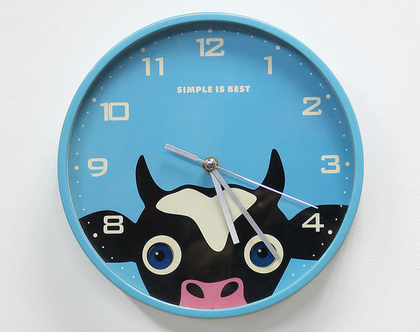 שעון קיר תכלת אנימטיבי, שעור קיר פרה, שעון קיר לילד