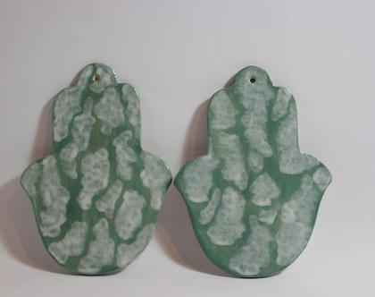 זוג חמסות ירוק עננים עבודת יד מקרמיקה, חמסה מקרמיקה, חמסה עבודת יד, איור ירוק עננים, קרמיקה עבודת יד, סט חמסות מקרמיקה