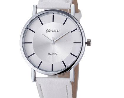 שעון יד לאישה , מתנה מקורית לנשים , מתנה לאישה , שעון מעוצב , שעון אלגנטי
