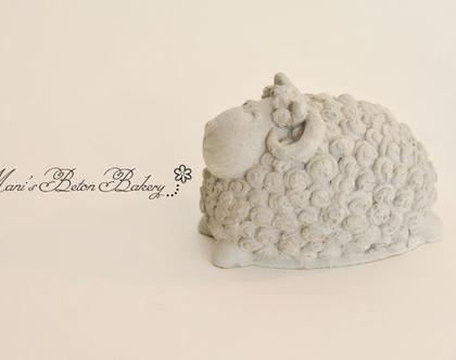 כבשה -דולי | כבשה מבטון | כבשת בטון | 1 יח' | מתנה מבטון | עיצוב בבטון | הום סטיילינג