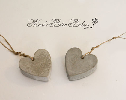 זוג לבבות קטנים | לב לתלייה | אקססוריז לתלייה על הקיר | מובייל לב | הום סטיילינג | עיצוב הבית