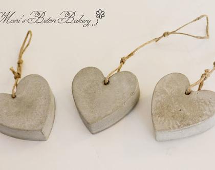 שלישיית לבבות קטנים | לב לתלייה | אקססוריז לתלייה על הקיר | מובייל לב | הום סטיילינג | עיצוב הבית