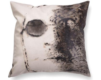 כרית נוי מעוצבת לסלון - כרית מודפסת - כרית דמוי עור - כרית עם רישום אמנותי ג׳ון לנון - כרית אמנותית - כרית שחור לבן
