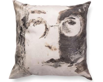 כרית נוי מעוצבת לסלון - כרית דמוי עור - כרית מודפסת - כרית עם רישום אמנותי ג׳ון לנון - כרית אמנותית - כרית שחור לבן