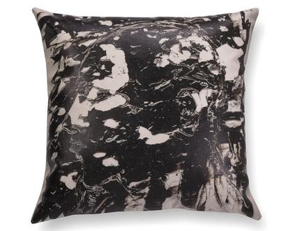 כרית שחור לבן - כרית עם רישום אמנותי - כרית מודפסת - כרית אמנותית - כרית נוי מעוצבת לסלון - כרית דמוי עור