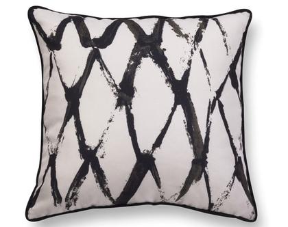 כרית גיאומטרית מקטיפה - כרית שחור לבן - כרית נוי מעוצבת לסלון - כרית קטיפה - כרית עם רישום אמנותי - כרית מודפסת - כרית אמנותית