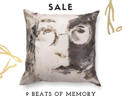 כרית ג׳ון לנון - כרית נוי מעוצבת לסלון - כרית מודפסת - כרית דמוי עור - כרית אומנותית - כרית שחור לבן - כרית עם רישום