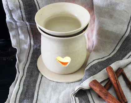 מבער מקרמיקה | מבער שמנים | מבער לריח טוב | מתנה מקורית | אווירה לבית | עיצוב הבית | בישום לבית | מבער בצבע שמנת