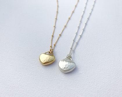 שרשרת לב זהב רקוע   לב קטן בעבודת יד   שרשרת קצרה   שרשרת עדינה   שרשרת מיוחדת