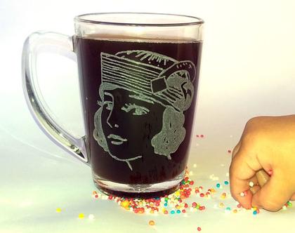 כוס שתייה חמה, אישה, מתנה לאישה | shiranlavishohat.com | 052-8339640