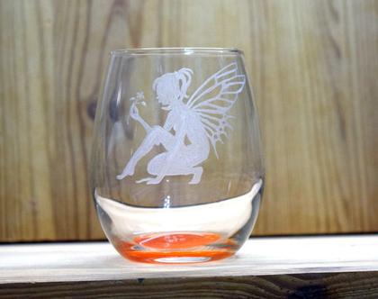 פיה, כוס יין, כוס יין ללא רגל, כוס יין קרקעית בצבע כתום