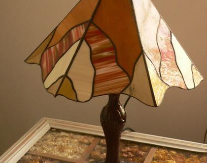 מנורה לשולחן מקורית זכוכית לאור נעים סילבינה עיצובים