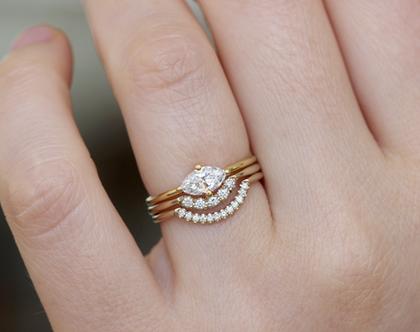 טבעת נישואין בחיתוך מרקיזה, סט 3 טבעות נישואין, טבעת אירוסין מינימליסטית, טבעת אירוסין בחיתוך מרקיזה, טבעת כתר בשיבוץ יהלומים, חיתוך מרקיזה