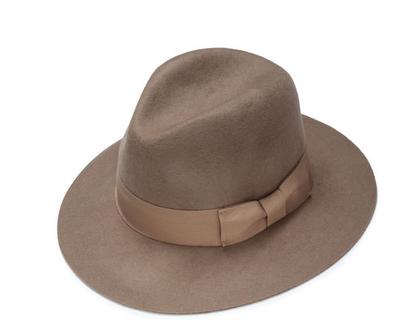 כובע לבד מגבעת קלאסי , מגבעת לבד מעוצבת לאישה