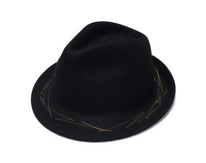מגבעת לבד מעוצבת עם רקמה , כובע מעוצב, כובע חורף
