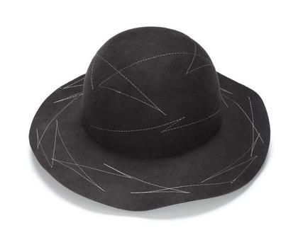 כובע לבד מעוצב עם רקמה , כובע מעוצב, כובע חורף
