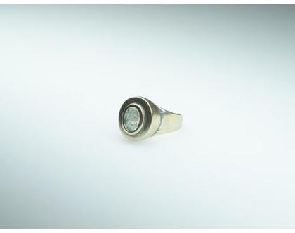 טבעת כסף מושחר משובץ זכוכית רומית