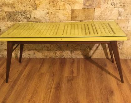 שולחן תריס, שולחן סלון, שולחן וינטג', שולחן שנות ה-50, תריס ישן, תריס מחודש, שולחן עץ,תריס שולחן