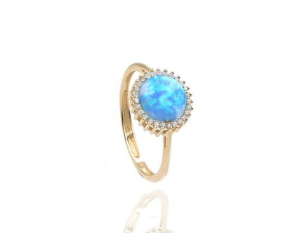 טבעת אופל כחול ויהלומים בזהב 14 קאראט