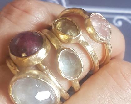 טבעת אקווה מרין גדולה, טבעת עם אבני חן, טבעת משובצת, טבעת תכלת, טבעת מעוצבת, טבעת מיוחדת, טבעת ליום יום, טבעת לעבודה, טבעת אובלית, אפרת מקוב