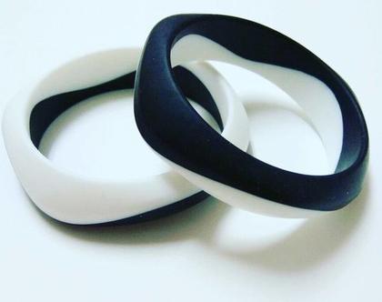 צמיד סיליקון שחור לבן