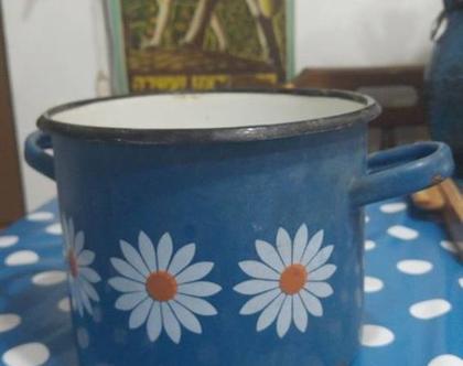 כלי אמייל וינטג' כחול עם פרחים לבנים