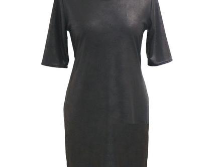 שמלת שחורה מבד דמוי עור